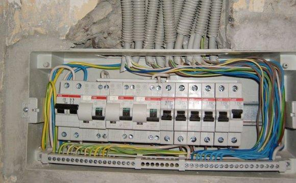 Как заменить электропроводку в